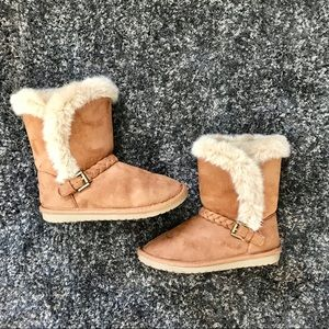Girl's Braided Faux Fur Boots